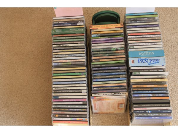 CDs Over 130 COUNTRY, FOLK and ETHNIC £30